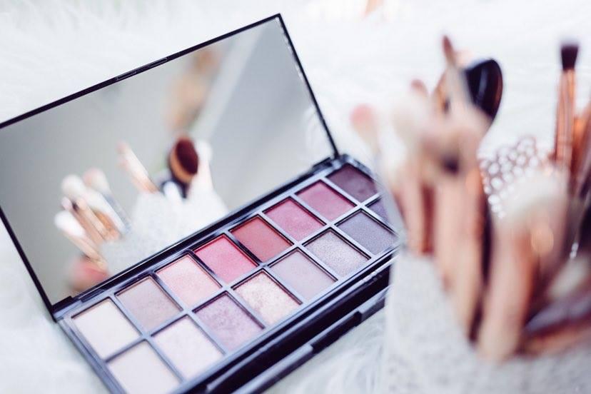 Produse de skincare, make-up sau ambele?